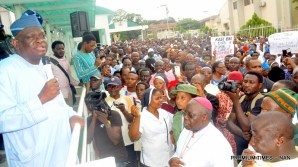 Pic.24. Representative of the Governor of Oyo State, Dr Gbade Ojo (l), addressing Catholic faithful, during a peaceful protest in Ibadan on Tuesday (22/5/18), over killing of some Catholic Priests and others Christians in Benue State. 02688/22/5/2018/Olayinka Bode-Are/ MA/JAU/ICE/BJO/NAN