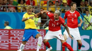 Neymar in action (Photo Credit: Reuters)