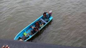LASEMA officials in search of the lady. [photo: LASEMA]