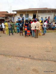 Voting going smothly at Oisa Olosi house, unit 008 ward 9, Efon Alaye LGA, 10:01 am