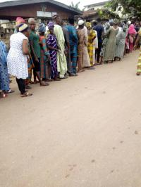 8:10am — In Ward 002, PU 003, Ayedaade LGA, the turnout of electorates is massive. Election is about to start, according to the APO II of the PU.