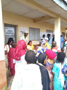 At9:04Ede south ward4,Alajue.the spo addressing the electorate about the need to be patient because, as a result of the several assiduous works most of them do their fingerprint isn't showing on the card reader thereby causing an accreditation problem