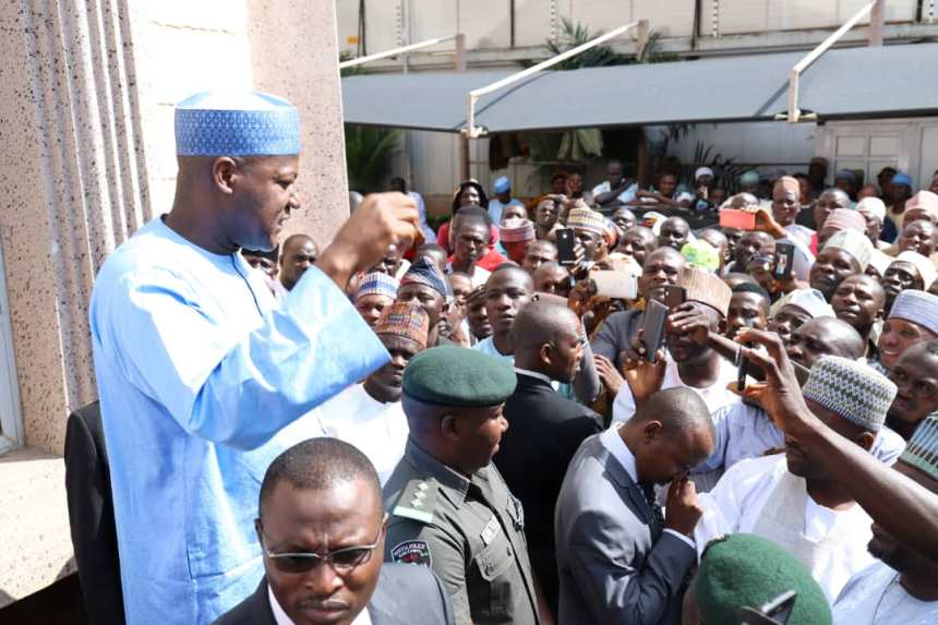 Speaker of the House of Representatives Rt Hon Yakubu Dogara addressing hundreds of constituents in his Abuja home on Tuesday where he accepted their request to recontest his Reps seat. Photo : Speaker's Media Office.