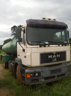 The broken down water truck at Igbokoda