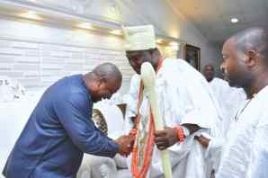 Ooni hosts former President Mahama of Ghana