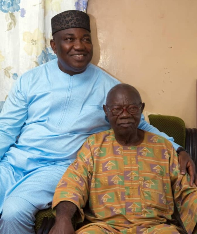 Governor Ifeanyi Ugwuanyi of Enugu State (left) with Chief Mike Ejeagha, when he paid the iconic high-life Nigerian musician a visit at his residence in Enugu, Saturday