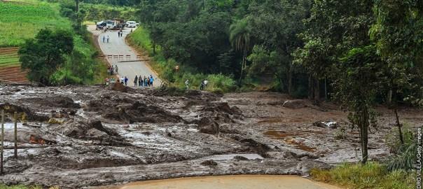 Devastating dam collapse in Brazil [photo: jw.org]