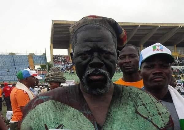 A master dribbler, Fadeyi was the old Yoruba Nollywood's response to Maradona. Ah, Fadeyi was a delight on the big screen!