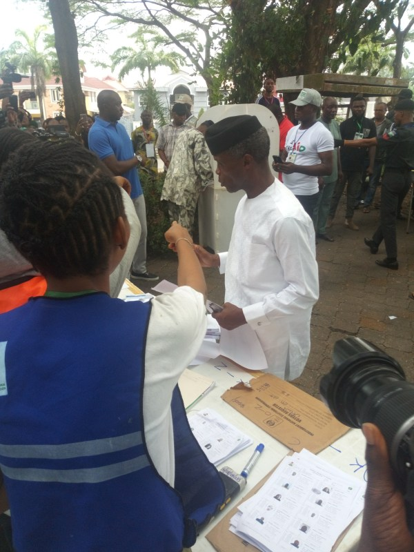 Vice President Yemi Osinbajo and his wife, Dolapo, voted on Saturday at the Code 33, Polling Unit II, Victoria Garden City(VGC), Lagos at 10.53a.m.