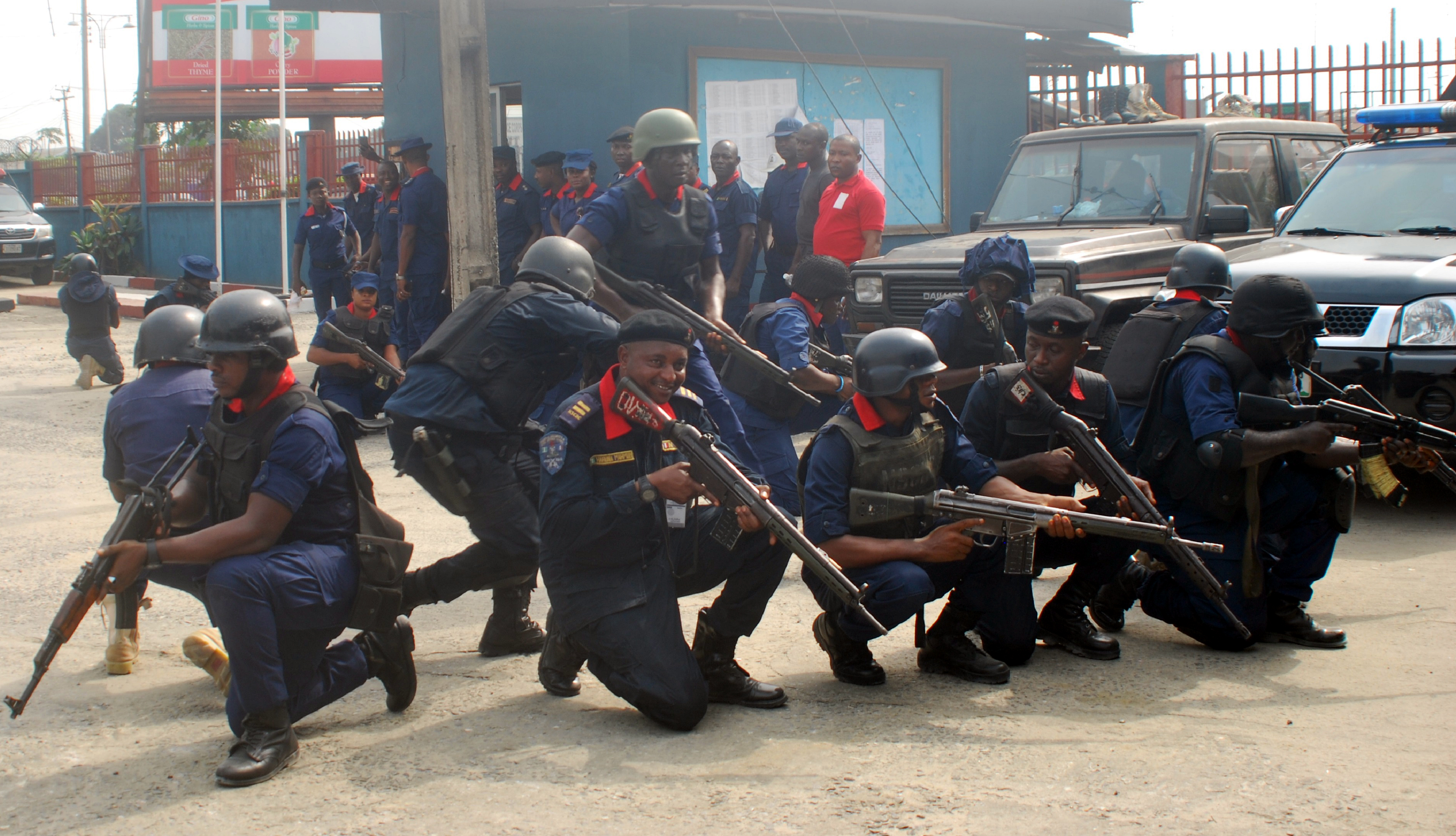 The Nigeria Security and Civil Defence Corps (NSCDC) in Kaduna State on Tuesday confirmed the death of its kidnapped officer, Mr Bulus Sanda. NSCDC Commandant in the state, Babangida Dutsinma, made the disclosure in a statement by the command's Public Relations Officer, Mr Orndiir Terzungwe, in Kaduna. He said that the late Sanda who joined […]