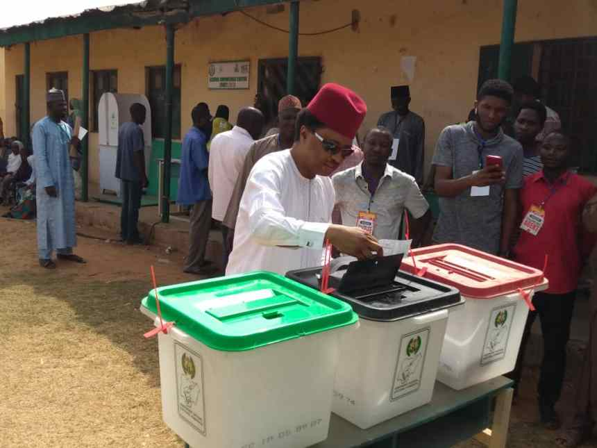 10.24a.m., Shehu Sani votes at polling unit 20, Ungwar Seriki ward