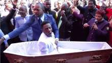 South African preacher Alph Lukau in blue claimed he rose the man in the coffin from death (Photo ALPH LUKAU FACEBOOK)