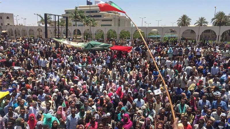 Sudanese protesters [PHOTO CREDIT: Al Jazeera]