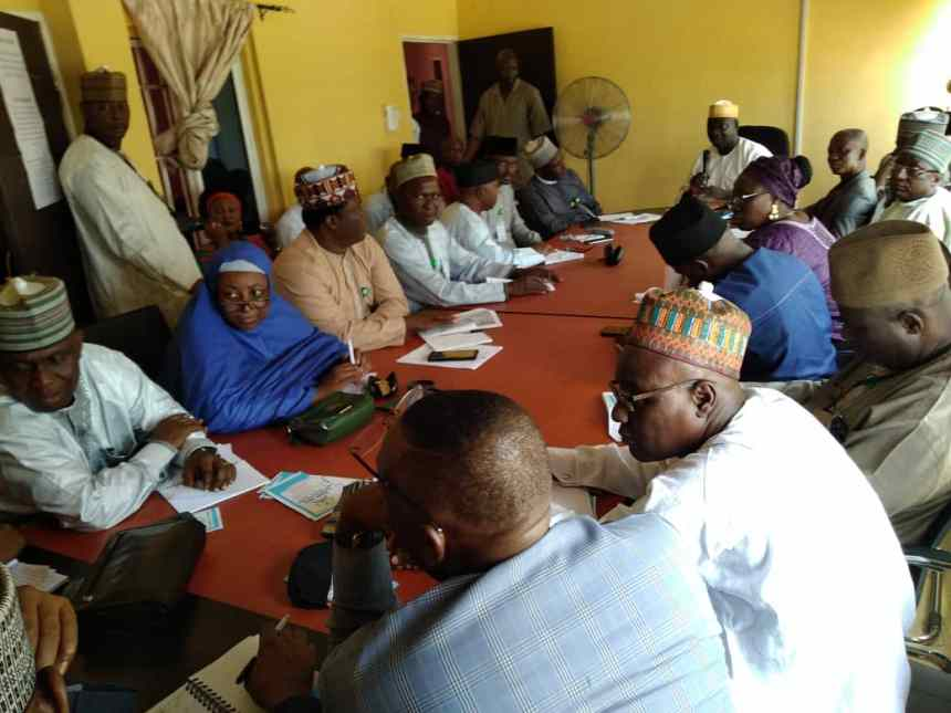 #UHC4PHC: Mohammed Usman, the Executive Secretary of Niger State Contributory Health Scheme (NGSCHS) addressing senior executive of the National Institute for Policy and Strategic Studies (NIPSS) study tour team course 41 in Minna, the state capital.