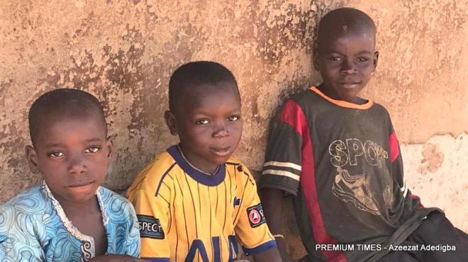 Children during school hours in Kabin Mangoro.