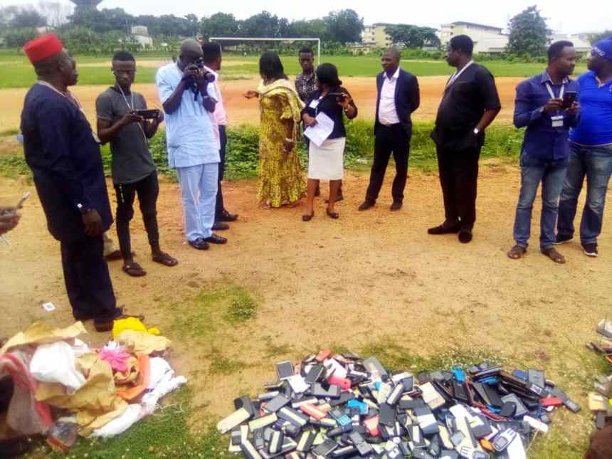 Polytechnic Ibadan destroys over 1,000 mobile phones worth N15 million
