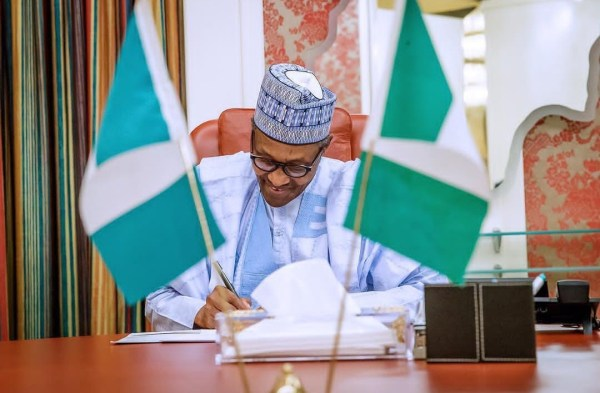 President Muhammadu Buhari says the Economic Advisory Council will meet him periodically.