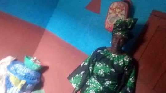 PHOTOS:#RevolutionNow: 70-year-old woman brutalised by police gets public support