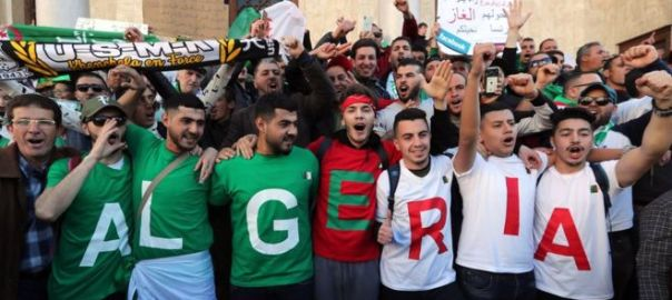 Algerian protesters [Photo: bbc.com]