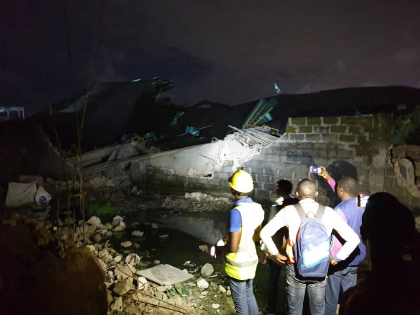 Three injured as building collapses in Lagos