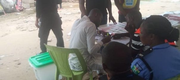3:15pm Ward 2, Polling Unit 5, Toru-Orua, Bayelsa State Elections have ended. Vote counting was done among the election officers only. They did not call out counts.