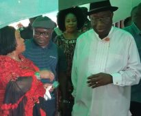 11:38 AM President Goodluck Jonathan (2010-2015) and his wife, Patience, arrived the PU 39, Ward 13 of Ogbia LGA. The couple came to the polling with Mr Jonathan's mother ,acknowledging cheers from locals.