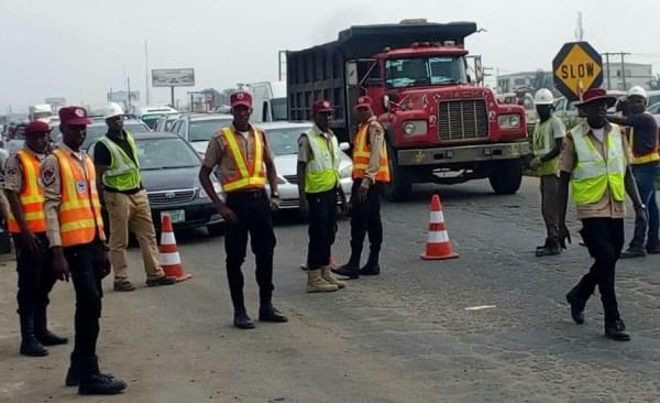 FRSC officials about to open Kara Bridge on Lagos-Ibadan Expressway to traffic on Sunday in Lagos