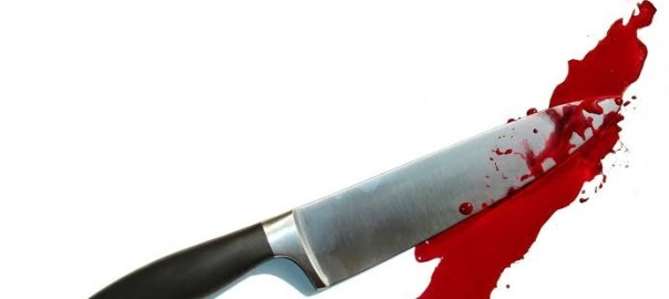 Bloody knife [Photo: GoodFon.com]