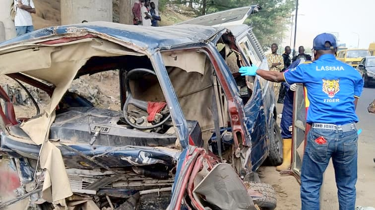 One dead, 12 injured in Lagos road accident