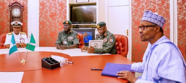 President Muhammadu Buhari meets service chiefs and the IGP of Police. [ PHOTO CREDIT: Presidency Twitter handle]