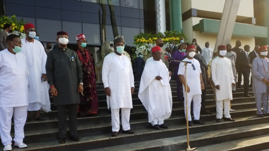 L-R: Senator Jim Nwobodo; Obi of Onitsha, Igwe Alfred Achebe; Deputy Governor of Anambra State, Dr. Ikem Okeke; Governor Ifeanyi Ugwuanyi (Enugu), Chairman, South East Governors Forum/Ebonyi State Governor, Engr. David Umahi; Governor Hope Uzodimma (Imo); Deputy Governor of Abia State, Rt. Hon. Ude Oko Chukwu; President-General of Ohanaeze Ndigbo, Chief Nnia Nwodo, others, during the expanded meeting of the South East Governors Forum, held at the Government House, Enugu, yesterday