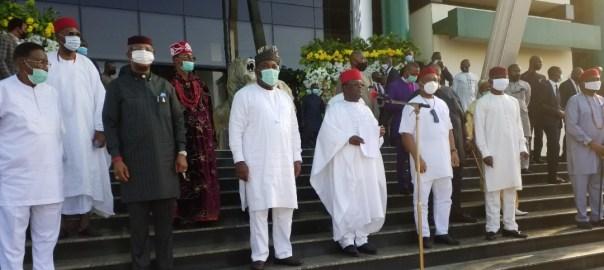 L-R: Senator Jim Nwobodo; Obi of Onitsha, Igwe Alfred Achebe; Deputy Governor of Anambra State, Dr. Ikem Okeke; Governor Ifeanyi Ugwuanyi (Enugu), Chairman, South East Governors Forum/Ebonyi State Governor, Engr. David Umahi; Governor Hope Uzodimma (Imo); Deputy Governor of Abia State, Rt. Hon. Ude Oko Chukwu; President-General of Ohanaeze Ndigbo, Chief Nnia Nwodo, others, during the expanded meeting of the South East Governors Forum, held at the Government House, Enugu, yesterday