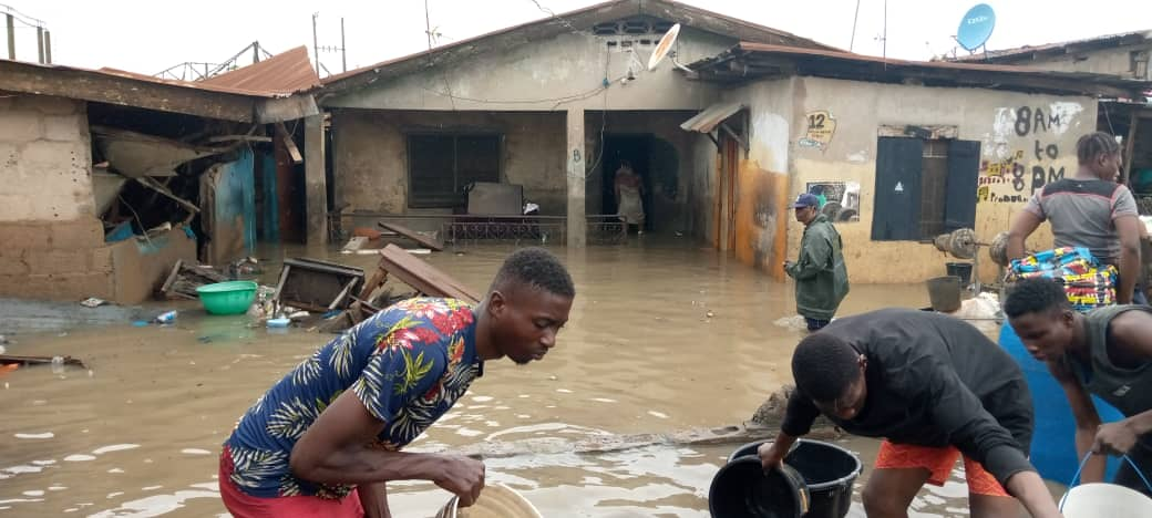 """The National Emergency Management Agency (NEMA) on Tuesday warned that no fewer than eight million residents of Lagos State were prone to flood disaster. Alhaji Ibrahim Farinloye, the Acting Coordinator, Lagos Territorial Office of NEMA, made this known at the flag-off of the """"Door to Door 2020 Flood Awareness and Sensitisation Campaign on Prevention, Management […]"""