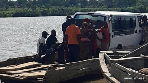 Crossing River Benue at Buruku, near Zaki Biam to access northeastern Nigeria from Benue State. No security agents to enforce interstate travel restrictions.