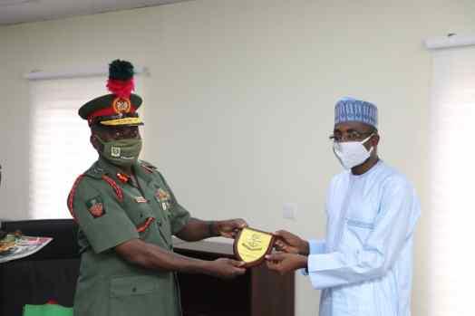 NITDA Director General, Kashifu Inuwa Abdullahi and the Commandant of the Nigeria Defence Academy (NDA), Jamilu Sarharm when the latter paid a visit to NITDA during the week.