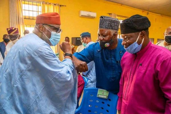 Rotimi Akeredolu met with members of the Unity Forum and governorship aspirants in the All Progressives Congress (APC) [PHOTO CREDIT: @OndoAPC]