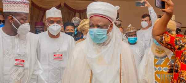 The groom, Alhaji Abubakar Musa (left), the Inspector General of Police, Mohammed Abubakar and the Sultan of Sokoto, Alhaji Saad Abubakar III exchanging pleasantries during the wedding Fatiha between Alhaji abubakar Musa and Zainab Shehu Fodio in Sokoto at the weekend.