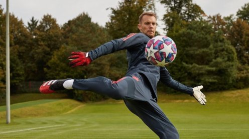 Bayern Munich goalkeeper, Manuel Neuer. [PHOTO CREDIT: Official Twiter handle of Neuer]