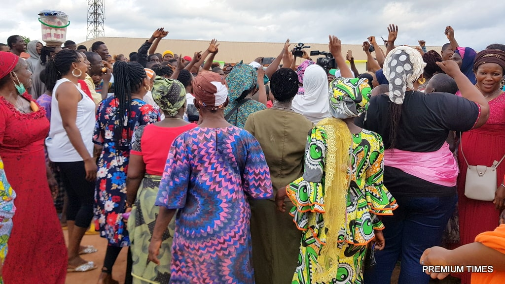 A jubilant crowd hailing Mr Shaibu after he won his polling unit on Saturday (Credit: Yusuf Akinpelu)