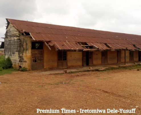 Abandoned block of classrooms, Christ Apostolic Church primary school, Oke Apon