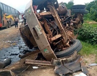 More pictures from the scene of the Anambra accident