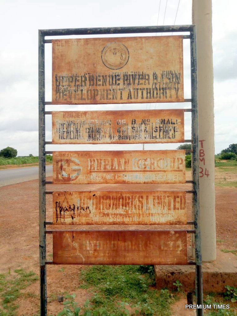 The olden signpost post of Raba dam project