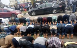 Muslim faithfuls hold Jumaat at #EndSARS protest