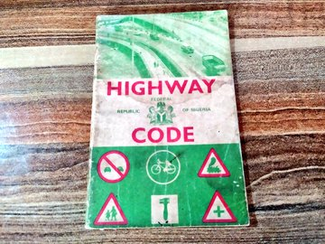 A booklet on highway rules (Credit: Twitter, @Bodasheeee).