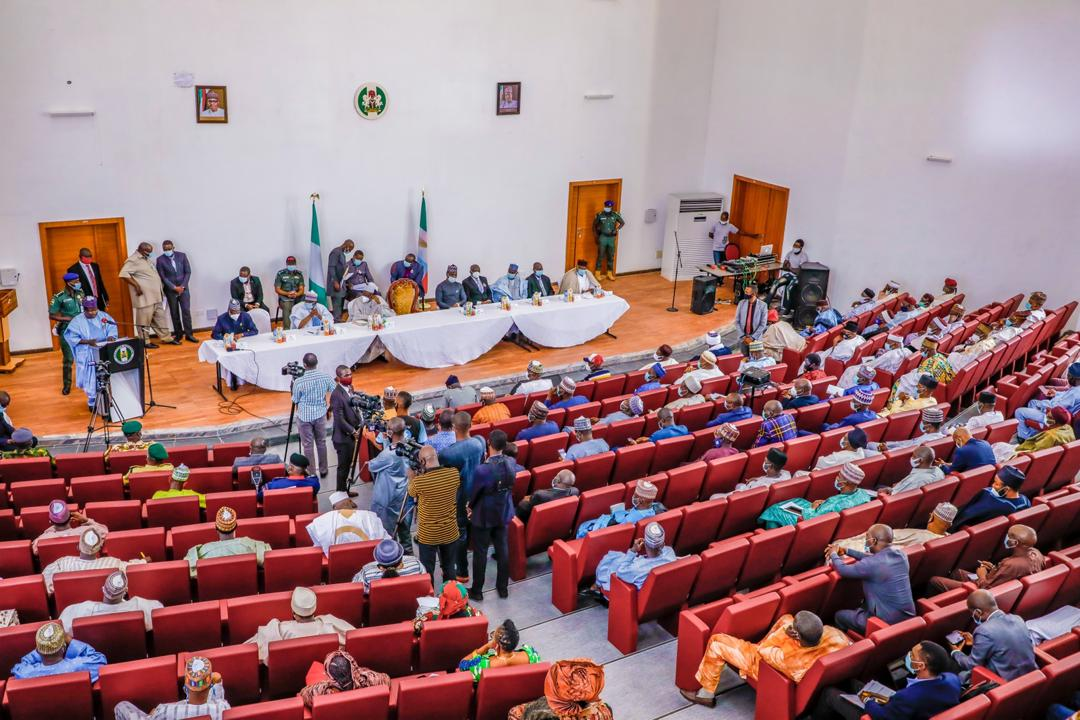 THE EXECUTIVE GOVERNOR OF PLATEAU STATE, HIS EXCELLENCY, RT. HON. (DR) SIMON BAKO LALONG, AT AN ENGAGEMENT WITH PLATEAU STAKEHOLDERS ON THE SECOND WAVE OF COVID-19 AND SECURITY ISSUES HELD AT THE VICTORIA GOWON HALL, NEW GOVERNMENT HOUSE, LITTLE RAYFIELD JOS. [PHOTO CREDIT: @PLSGov]