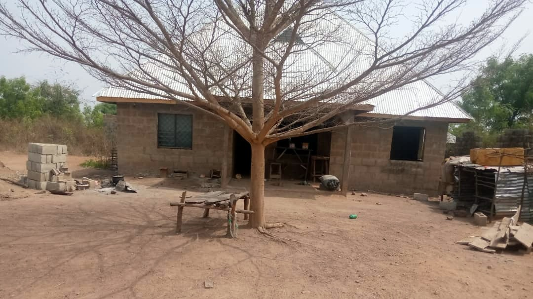 The front view of Mr Adeniyi's house in Offa.
