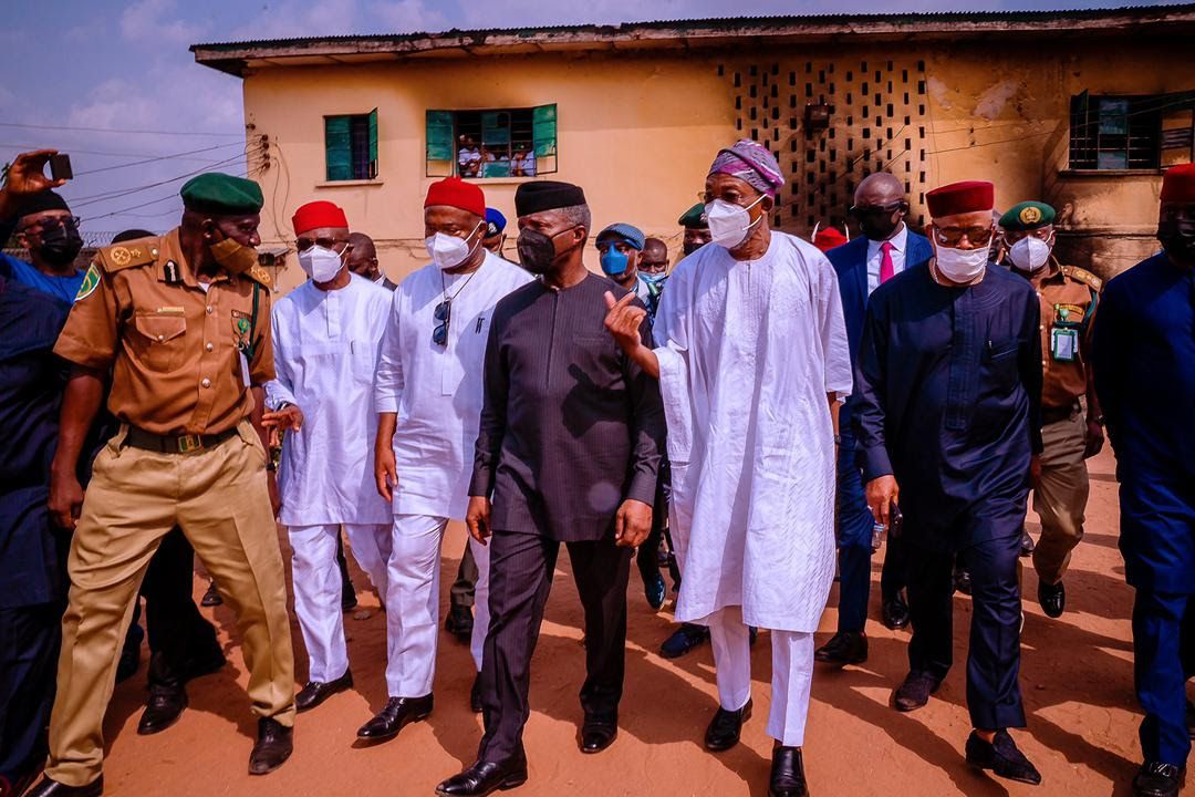 Vice President Yemi Osinbajo SAN, along with Governor of Imo State, Senator Hope Uzodinma, Minister of Interior Ogbeni Rauf Aregbesola, Minister of State Budget and Planning Prince Clem Agba and Senior Government Officials of the Imo State Government visit the Correctional Facility that was attacked in Imo State. 6th April, 2021. Photos; Tolani Alli