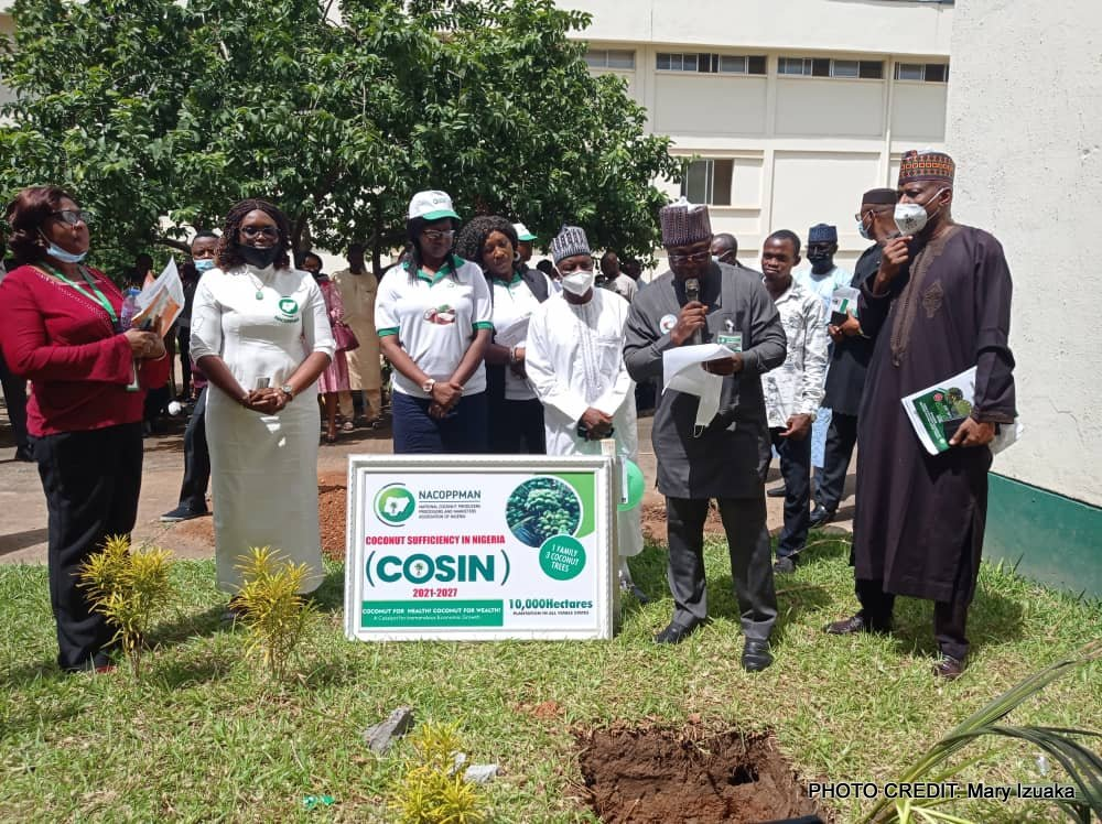 Group with the president, National Coconut Producers, Processors and Marketers Association of Nigeria.