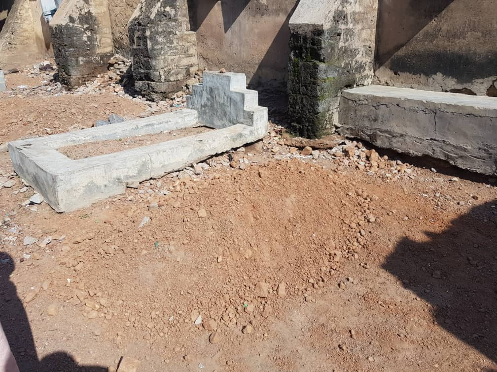 Burial ground of Lateef Adeniyi, the head of the Vigilante Group in Igangan community