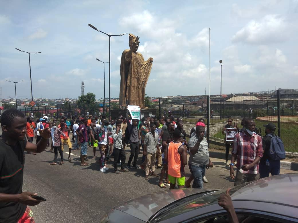 Lagos protesters in MKO Gardens in Ojota. 1:30pm